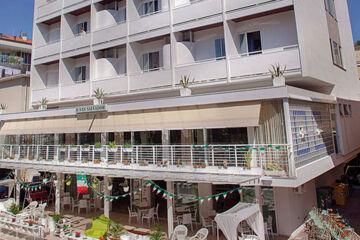 HOTEL SAN SALVADOR Igea Marina (RN)